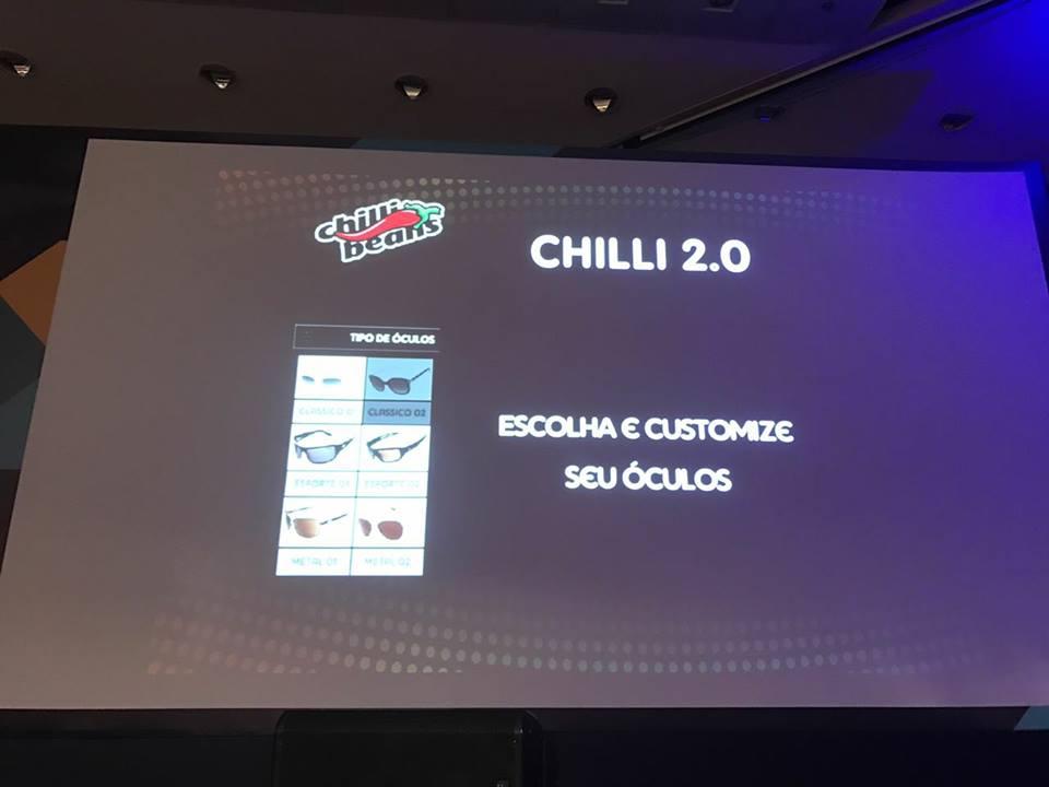 2cd43ff7df7b6 Uma maneira de se destacar da concorrência, citada pelo CEO da Chilli Beans,  foi permitir que o cliente montasse seu óculos na própria loja