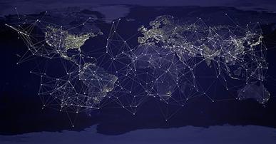 Imagem: mapa múndi com fundo azul e conexões entre os países.